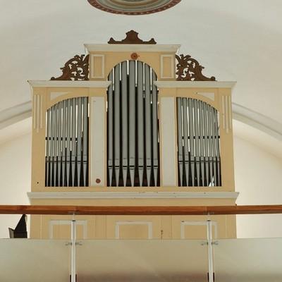 Jednomanuálový organ s pedálom I / P / 7 (6+1)